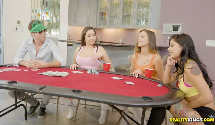 Moneytalks Gina Valentina.karlee Grey And Jaye Summers Taki…